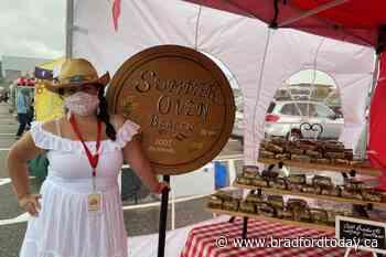 Visitors, vendors enjoy opening day of Innisfil Farmers' Market (31 photos) - BradfordToday