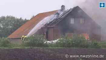 Bewohner können sich retten: Resthof im Kreis Wittmund wird Raub der Flammen - Nordwest-Zeitung