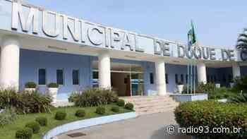 Duque de Caxias quita salário de maio para servidores da Educação - Rádio 93 FM