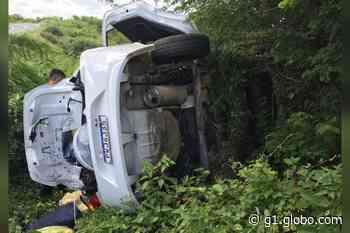 Duas pessoas morrem em acidente de trânsito em Quixeramobim, no interior do Ceará - G1