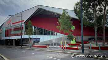 Craigieburn post offices, CBD sushi shop among new additions to COVID-19 exposure sites list - ABC News