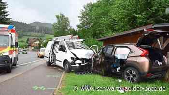 Unfall auf B 294 - Fünf Erwachsene und zwei Kinder bei Schiltach schwer verletzt - Schwarzwälder Bote