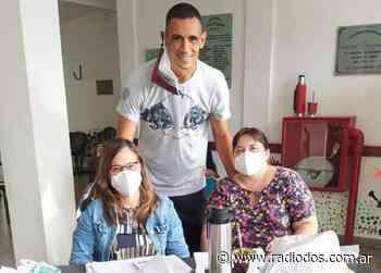 El correntino José Sand se vacunó contra el covid en Bella Vista - Radio Dos Corrientes
