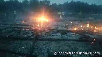Pasca Terbakarnya Pondok Tahfidz Guntur, Aparatur Desa Galang Bantuan Pakaian Layak Pakai - Bangkapos.com