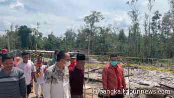 Bupati Bangka Selatan Berikan Bantuan Uang Tunai untuk Pondok Pesantren Tahfidz Guntur yang Terbakar - Bangkapos.com