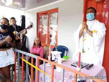 Habitantes de dos veredas de Aguadas se unieron para regalarle la casa a María Angélica López, de 72 años - La Patria.com