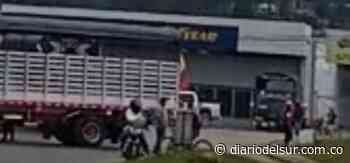 Transportadores bloquearon ingreso a Ubaté y se unieron al Paro Nacional [VIDEOS] - Diario del Sur