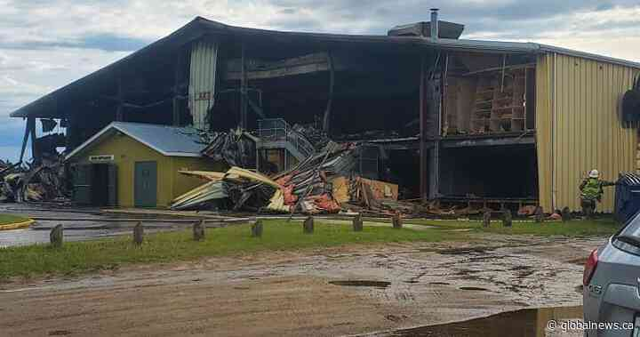 Meadow Lake RCMP looking for information after arena fire - Global News
