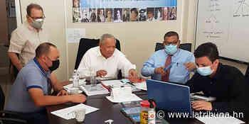 Alcalde de San Agustín visita sede de Comisión Nacional del Bicentenario - La Tribuna.hn