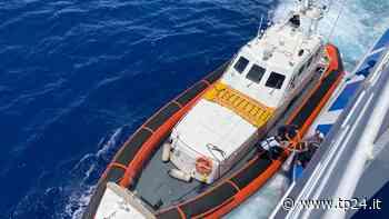 Pantelleria. Uomo sta male sulla nave per Trapani. Soccorso in mare della Guardia Costiera - Tp24