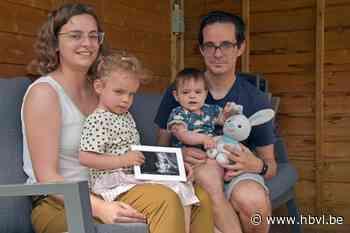 Marijn en Nathalie nemen deel aan sponsorloop voor overleden zoontje Mathis - Het Belang van Limburg