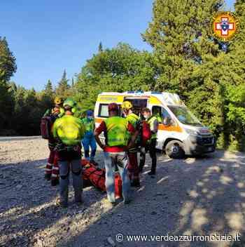 i tecnici del Soccorso Alpino sono intervenuti sul Monte Morello (Sesto Fiorentino, FI) per un biker infortunatosi a seguito di una caduta. - Verde Azzurro Notizie