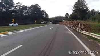 Caminhão tomba e bloqueia BR-386, em Montenegro - Agora RS