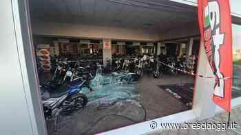 Orzinuovi, sfondano i vetri del concessionario e razziano le moto - Brescia Oggi