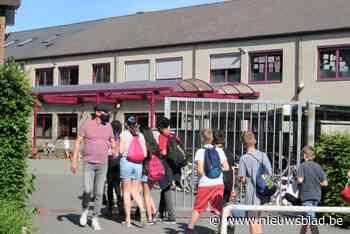Vrije Basisschool De Tuimeling vervangt asbestleien en plaatst zonnepanelen - Het Nieuwsblad
