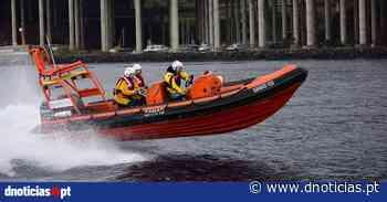 Resgatado popular em dificuldades no mar do Seixal - DNoticias