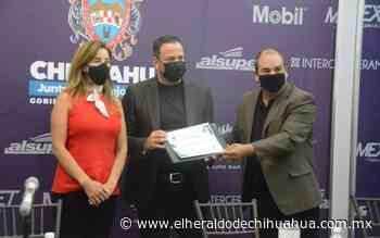 Le entregan a Anwar Elías como nuevo jurisdiccional de la Segunda Zona - El Heraldo de Chihuahua