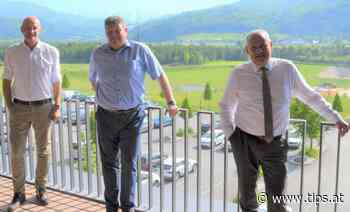 Landtagspräsident Wolfgang Stanek besuchte die Firma Bernegger in Molln - Tips - Total Regional
