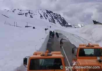 Massive Schneewände in den Alpen: Die aktuellen Bilder! - Daswetter.com