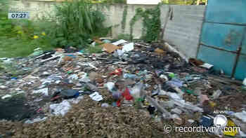 Rio: terreno abandonado na Taquara funciona como esconderijo de bandidos - Record TV