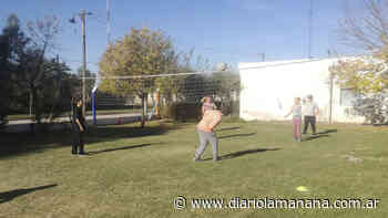Se dictan clases de vóley infantil en la localidad de Arboledas - Diario La Mañana - Diario La Mañana