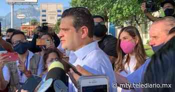 Elecciones 2021. Francisco Cienfuegos vota en la colonia San Jerónimo - Telediario Monterrey