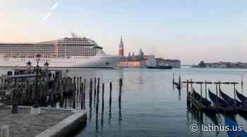 En carta firmada por 21 artistas piden a Italia salvar a Venecia de turistas - LatinUs