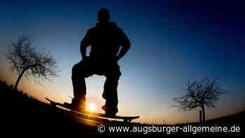 Skateboard-Fahrer wird bei Unfall in Illertissen leicht verletzt - Augsburger Allgemeine