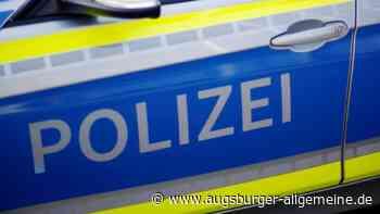 Autofahrerin verhakt sich beim Parken in Schutzgitter - Augsburger Allgemeine