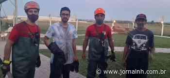 Paraquedista é resgatado de helicóptero pelos Bombeiros após queda em Campo Bom - Jornal NH