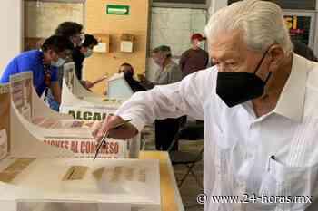 Ignacio López Tarso acude a votar en la alcaldía Tlalpan - 24 HORAS