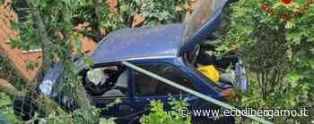 Auto fuori strada a Curno, scattano i soccorsi: ferito un 50enne - L'Eco di Bergamo