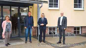 Frank Bonath besucht Niedereschach - Reger Gedankenaustausch über Südumfahrung und Finanzen - Schwarzwälder Bote