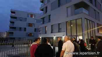 Mantes-la-Ville : une trentaine d'habitants évacuée après un incendie dans le parking souterrain - Le Parisien