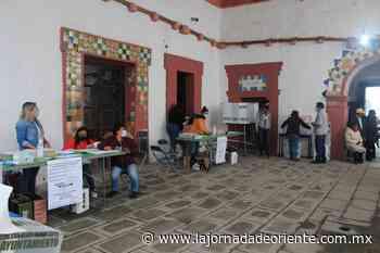 Con nuevas medidas de seguridad, ciudadanos de Tepeaca acuden a votar en las Elecciones 2021 - Puebla - - La Jornada de Oriente