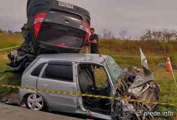 Colisão frontal entre carros tira a vida de mulher em Palmeira - ARede