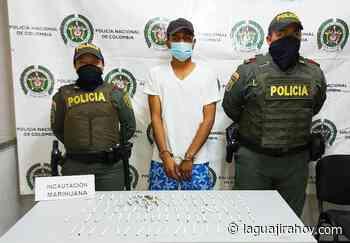 Expendedor de cigarrillos de marihuana en vía pública, fue capturado en Riohacha - La Guajira Hoy.com