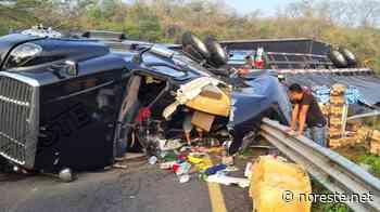 Un herido en volcadura de tráiler en la autopista La Tinaja-Cosamaloapan - NORESTE