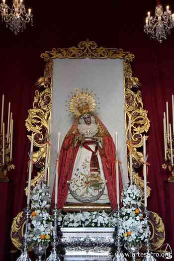 Provincia. Galería. La Virgen de los Dolores de Benacazón se asomó a la puerta de su Capilla el día del Corpus Christi. Luis M. Fernández - Arte Sacro