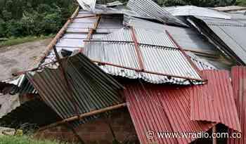 Fuerte vendaval acompañado de lluvias generó daños en Anserma, Caldas - W Radio