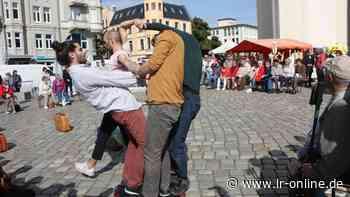 Tanzchoreografie in Bad Liebenwerda: Tanzkompanie gastiert am 10. Juni auf dem Marktplatz - Lausitzer Rundschau