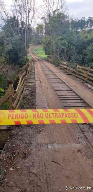 Ponte em más condições é interditada pelos bombeiros no interior de Itapiranga - WH3