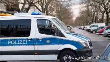 Waldkraiburg am 7. Juni: Auffahrunfall an der Pürtener Kreuzung – 74-Jähriger fährt ungebremst in Stauende - chiemgau24.de