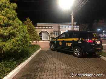 URGENTE: polícia caça criminosos em condomínio de luxo de Canoas e Cachoeirinha - Agência GBC