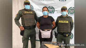 Mujer fue capturada en Sabanalarga con un revólver sin permiso para porte - El Heraldo (Colombia)