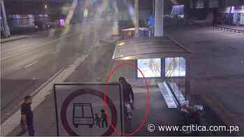 Delincuente asalta a dos personas con cuchillo y pistola en Juan Díaz (Video) - Crítica Panamá