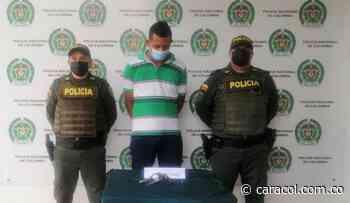 Capturaron a un hombre armado a pocas cuadras de la catedral de Magangué - Caracol Radio