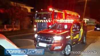 Casa fica destruída em incêndio em Assis Chateaubriand   CORREIO DO AR - Correio do Ar