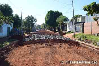 Avanzan obras de empedrado y cordón cuneta en el barrio Altos de Bella Vista - Misiones OnLine