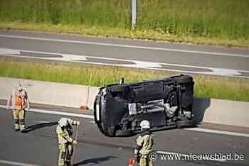 Chaos op E403 na verschillende ongevallen (Lichtervelde) - Het Nieuwsblad